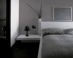 מתג מגע בחדר שינה